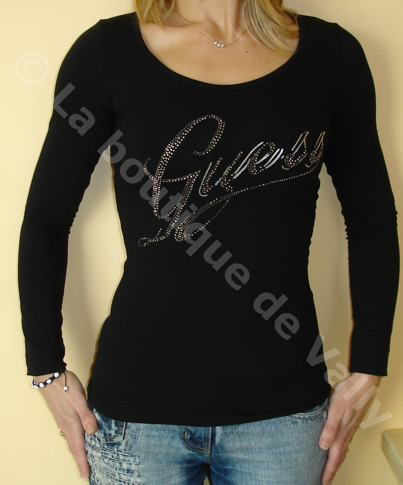 T-shirt Guess manches longues noir - Boutique fringuesdiscount.wifeo.com 182c469ee79